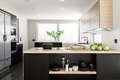 3 keittiötä, 3 hintaa – mikä näistä on sinun unelmakeittiösi? Decor, Furniture, Kitchen Inspirations, Interior, Home Decor, Kitchen Dining, Home Kitchens, Bedroom Decor, Interior Design