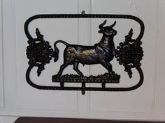 Antiques Atlas - French Cast Iron Butchers Sign Vintage Advertising Signs, Vintage Advertisements, Industrial Signs, Iron Furniture, Cast Iron, Moose Art, Smoke, French, Architecture