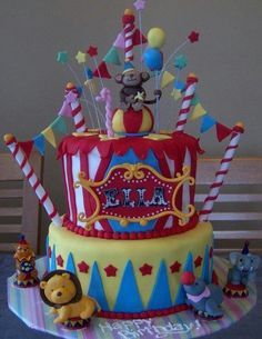 I want to throw a circus/carnival party for a child. This cake is too cute! Carnival Cakes, Circus Carnival Party, Circus Theme Party, Clown Party, Carnival Birthday Parties, Circus Birthday, Birthday Ideas, Circus Cupcakes, Big Cakes
