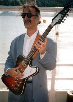 Frank Zappa & custom Firebird Why does Zappa look like Marc Maron tho Recorder Music, Music Guitar, Cool Guitar, Frank Vincent, Jazz, Frank Zappa, Progressive Rock, Blues Rock, Guitars