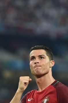 Portugal's forward Cristiano Ronaldo celebrates after winning the Euro 2016 quarterfinal football match between Poland and Portugal at the Stade. Cristiano Ronaldo Quotes, Cr7 Ronaldo, Real Madrid, Portugal Soccer, We Are The Champions, Soccer Stars, World Football, European Championships, Football Match