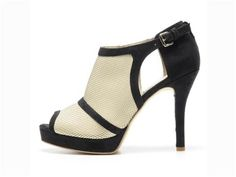 (i imagine these would go really well with black jean trousers) Spring collection heel by Olsen Haus: vegan and fair trade. Elizabeth Olsen, Crazy Shoes, Me Too Shoes, Vegan Sandals, Vegan Boots, Shoe Boots, Shoe Bag, Vegan Fashion, Ethical Fashion