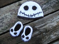 Halloween Jack skellington Booties and Hat - Nightmare Before Christmas Crochet Baby Set in 2014 #2014 #Halloween
