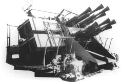 """2 pdr Royal Navy """"pom poms"""" anti-aircraft gun - Eight barrelled mounting - Used on Battleships"""