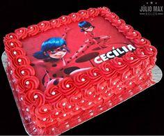bolo quadrado vermelho Flamingo Birthday, 5th Birthday, Birthday Cake, Birthday Parties, Balloon Decorations, Birthday Party Decorations, Festa Lady Bag, Bolo Lady Bug, Miraculous Ladybug Party