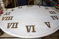 how to make a giant diy wall clock from a tabletop Raw Wood Furniture, Furniture Redo, Giant Wall Clock, Plain Wooden Boxes, Faux Fireplace Mantels, Faux Panels, Wall Candy, Diy Clock, Diy Wall Clocks