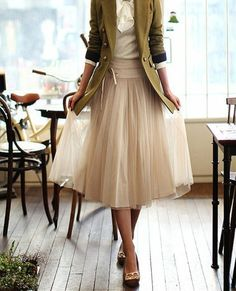 Like the wide waistband on this tulle skirt