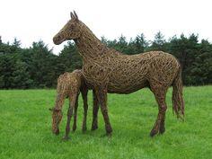 Willow sculpture. Driftwood Sculpture, Horse Sculpture, Outdoor Sculpture, Animal Sculptures, Metal Art, Wood Art, Willow Weaving, Weaving Art, Environmental Art