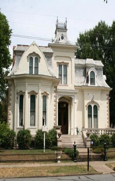 Villa Marre circa 1881 in Little Rock,AR - Designing Women's Southern Mansion For Their Show Victorian Architecture, Beautiful Architecture, Beautiful Buildings, Beautiful Homes, Architecture Design, Southern Mansions, Victorian Style Homes, Second Empire, Architectural Elements