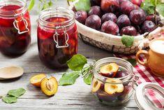 Compot de prune - rețetă simplă, rapidă și gustoasă Food Categories, Plum, Fruit, Vegetables, Cooking, Recipes, Canning, Syrup, Kitchen