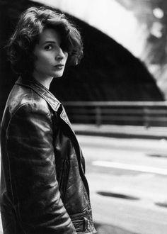 Juliette Binoche. Paris 1991. ¤Robert Doisneau.