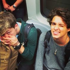 Bradley Simpson & Connor Ball❤️❤️❤️❤️ Imagine seeing them in the tube