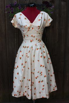 Vintage 1950's Cream and Orange Floral Print Garden Party Cocktail Dress