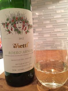 Vietti Arneis is a delicious white wine from #piemonte region of #Italy. Crisp with hints of almond and citrus. #wine