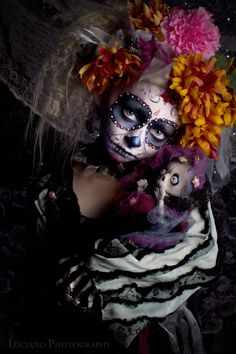 That doll is the coolest and creepiest thing ever! I want!