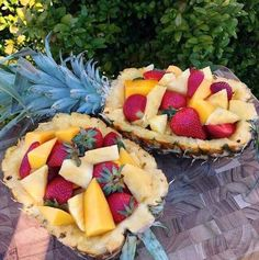 Beautiful presentation for a Hawaiian luau party!