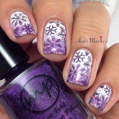 """Purple snowflakes? ❄️glitter gradient #winternails #snowflakenails"