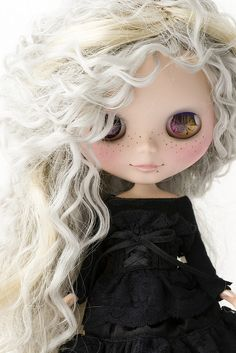 Collecting...Blythe Dolls...  I'm alternately ashamed and delighted that I'm fascinated by Blythe, her legions of talented followers, the endless variety and changing styles...
