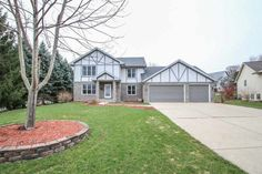 405 Hawthorn Ct  Deforest , WI  53532  - $389,900  #WindsorWI #WindsorWIRealEstate Click for more pics