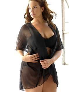 This versatile short sleeved chiffon robe is a perfect accessory for many fantasy lingerie styles - especially where you would like a little extra glamour and coverage.