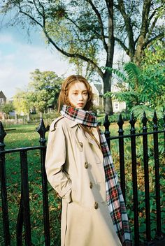Pictured in Marie Claire KR's December issue, Lee Sung Kyung wears a Burberry trench coat styled with our oversized tartan cashmere Merino wool scarf Korean Actresses, Korean Actors, Lee Sung Kyung Photoshoot, Lee Sung Kyung Wallpaper, Korean Girl, Asian Girl, Kang Sora, Weightlifting Fairy Kim Bok Joo, Korean Celebrities