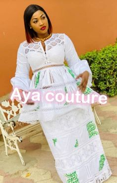 Modèle africain Latest African Fashion Dresses, African Inspired Fashion, African Print Dresses, African Dress, African Wedding Attire, African Attire, African Wear, Cute Formal Dresses, Modest Wedding Dresses With Sleeves