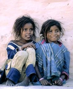 Little girls in small village, Rajasthan, India