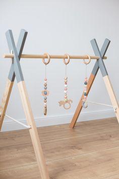 Schnullerketten - ✖ Spielbogen, Babygym, Mobile ✖ - ein Designerstück von David-Helga bei DaWanda