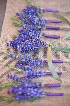 Adornos florales para boda: fotos ideas con lavanda - Ramos de lavanda para decorar mesas y sillas