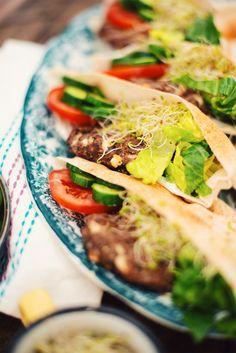 MAILLARD RECIPE | Mediterranean Kefta Lamb Burgers on Grilled Pita. SERVES: 4 PREPARATION: 45MIN COOKING TIME: 12MIN LEVEL: EASY