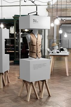 Dandy: Exhibition Design 2011: Form Us With Love
