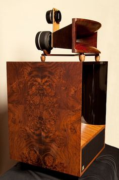 Burwell & Sons Homage - $80.000~