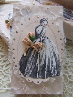 Gift wrapping idea - heavily embellish to achieve this vintage style a#gift wrapping  #emballagecadeau