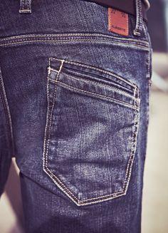 denim jeans.. detail back pocket