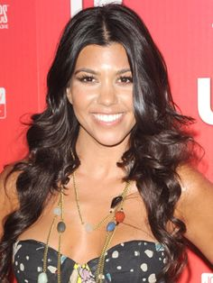 Kourtney Kardashian Mommy, Business Owner, Eats Organic/Whole foods and Uses Earth Friendly products! My kind of gal!