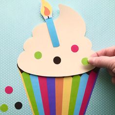 Play CUPCAKE SHOP with these awesome printables! My new favorite printable for kids! Craft Kits For Kids, Summer Crafts For Kids, Crafts For Kids To Make, Art For Kids, Kids Crafts, Bug Crafts, Preschool Crafts, Kindergarten Crafts, Classroom Crafts