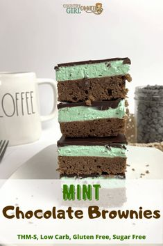 Mint chocolate brownies will satisfy your sweet tooth. This dessert is so decadent and delicious, no one will ever guess that it's sugar free and low carb! Sugar Free Brownies, Sugar Free Chocolate Chips, Melting Chocolate Chips, Chocolate Topping, Chocolate Brownies, Chocolate Flavors, Chocolate Desserts, Sugar Free Desserts, Sugar Free Recipes