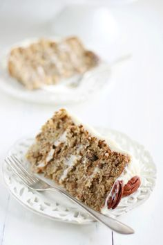Hummingbird cake Recipe adapted from Joy of baking Makes five 15 cm layers or four 20 cm layers •1 cup (110 grams) pecans, toasted and finely chopped •3 cups (390 grams) all-purpose flour •2 cups (400 grams) granulated white sugar •1 teaspoon baking soda •1/2 teaspoon salt •1/2-1 teaspoon ground cinnamon •3 large eggs, lightly beaten •3/4 cup (180 ml) safflower, corn, or canola oil •1 1/2 teaspoons pure vanilla extract •1 - 8 ounce (227 grams) can crushed pineapple, do not drain •2