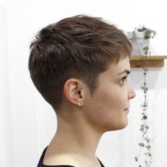 Short ✅ Choppy Fringe ✅ Texture ✅ Hair by frisuren frauen frisuren männer hair hair styles hair women Very Short Pixie Cuts, Very Short Haircuts, Short Hair Cuts For Women, Short Hairstyles For Women, Super Short Pixie, Thin Hairstyles, Ladies Hairstyles, Short Wavy, Hairstyles 2016