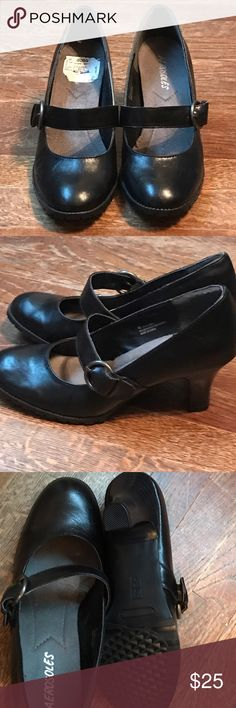 NWOT Aerosoles Shoes NWOT Aerosoles shoes. Size 8. Never worn. Given as a gift ( I didn't like the style) They were bought from Ross. AEROSOLES Shoes Heels