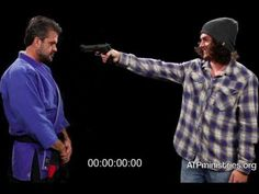 Knife vs Gun - The 21 Foot Rule - Great Demonstration - YouTube