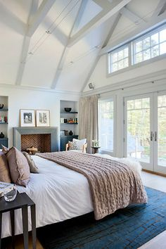Bedroom master bedroom Design Ideas, Pictures, Remodel and Decor. Love the tall ceilings in the master bedroom! Dream Bedroom, Home Bedroom, Bedroom Ideas, Bedroom Decor, Bedroom Designs, Light Bedroom, Pretty Bedroom, Bedroom Storage, Peaceful Bedroom