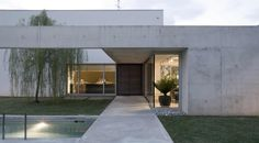I like the sequnce of the approach to the house. R+O House by Bianco + Gotti Architetti.