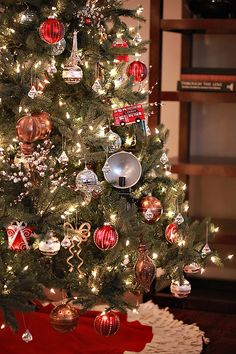 christmas tree decor idea: silver, gold, copper, and red
