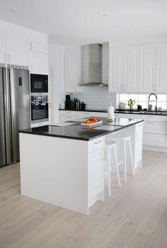 Kitchen Reno, New Kitchen, Kitchen Ideas, Inside A House, Rita, Home Decor Inspiration, Decor Ideas, My Dream Home, Future House