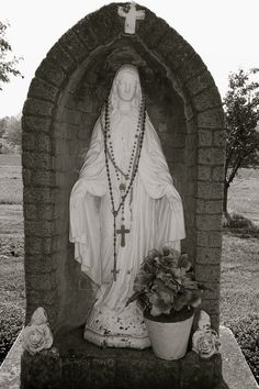 No Dream Home would be Home without a Garden Alter to meditate on the love of God, and the faith of Mary.