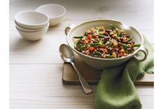 The bulgur adds a creative twist to a classic bean salad. Kraft Recipes, Kraft Foods, Soup Recipes, Salad Recipes, Recipies, Healthy Living Recipes, Quick Healthy Meals, Vegetarian Recipes, Healthy Eating