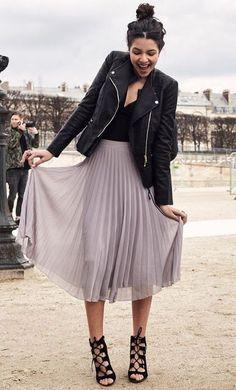 Fall fashion | Leather jacketand high waisted pastel pleated skirt