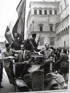 https://flic.kr/p/5ZxEnQ | partigiani a Bologna 3 | immagine di partigiani a Bologna alla Liberazione - provvisoria!