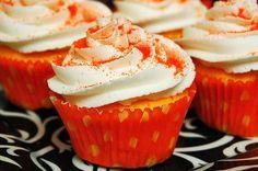 Cupcake Recipes, Baking Recipes, Cupcake Cakes, Dessert Recipes, Cup Cakes, Yummy Recipes, Mini Cakes, Baking Ideas, Velvet Cupcakes